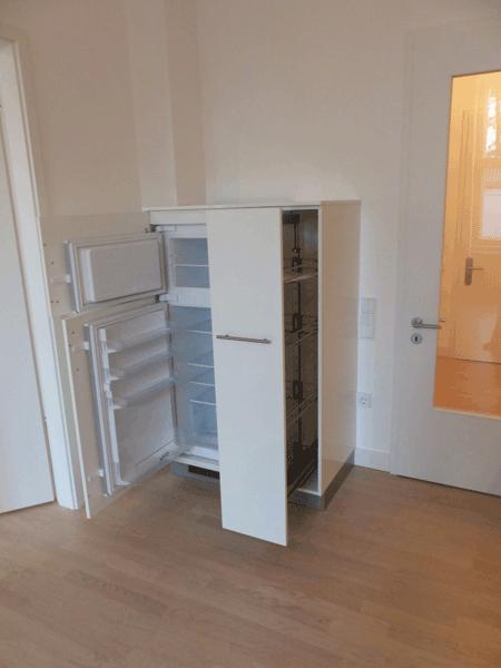 Wohnung-2_12-Kühlschrank-mit-Schrank